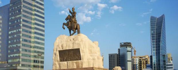 sukhbaatar-statue-view