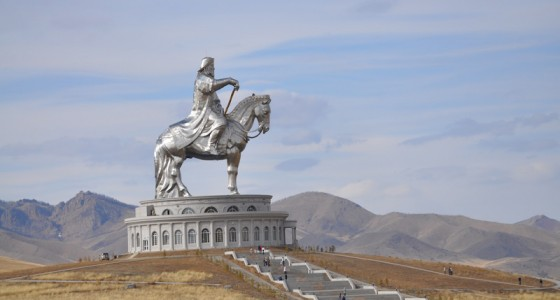 tsonjin-boldog-statue-of-genhgis